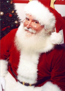 jonathan_g_meath_portrays_santa_claus_-_mirrored